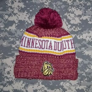Duluth Bulldog's college New Era insulated POM hat